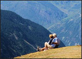 long-term-goals-life-couple-nature-mountains